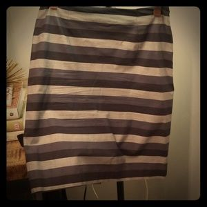 Silver and black Halogen skirt,size 8P